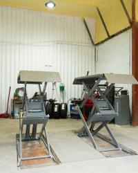 Vehicle Servicing Workshop lift